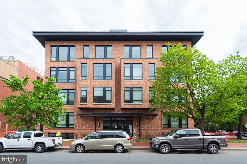 Chic and boutique building of only 28 residences - 801 N NW #303, WASHINGTON