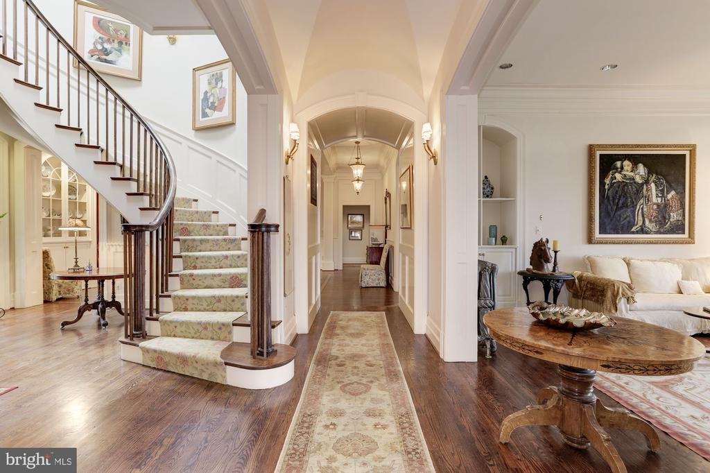 Main Stairway to 2nd Level - 11500 DALYN TER, POTOMAC