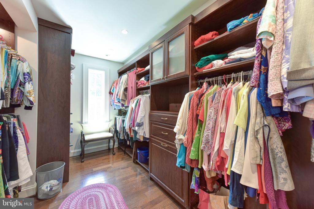 Walk-in closet - 5937 TELEGRAPH RD, ALEXANDRIA