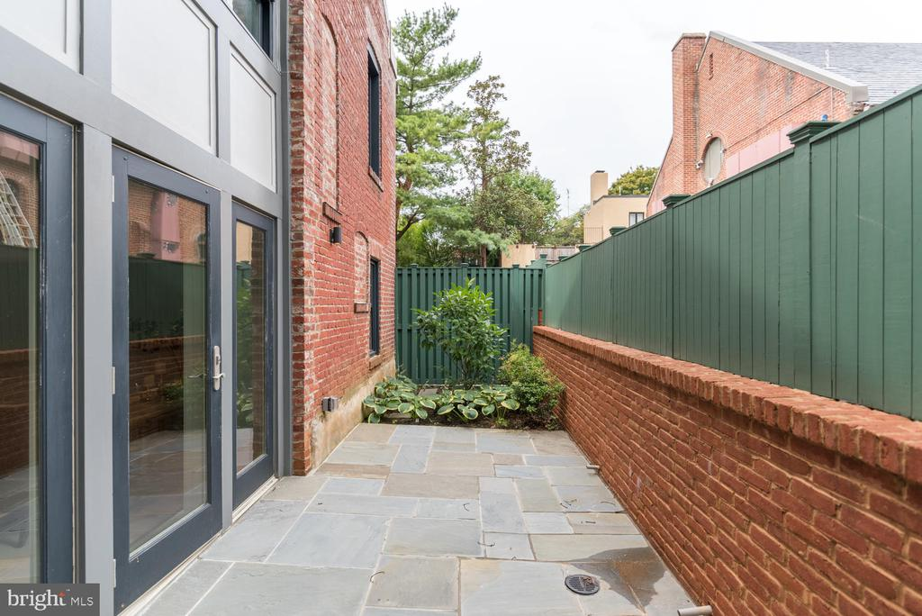 Private Rear Patio - 2709 N ST NW #103, WASHINGTON