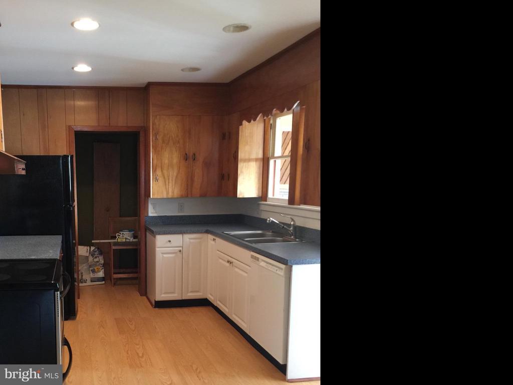 Kitchen 1st Floor - 411 N MAPLE AVE, BRUNSWICK