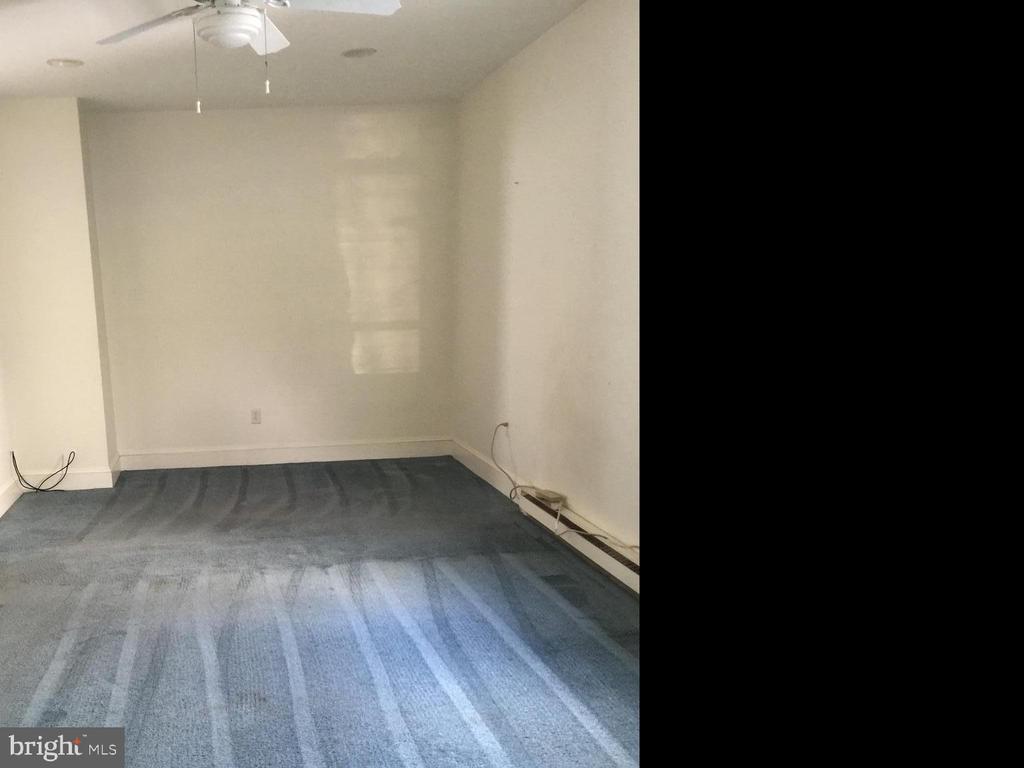 Living Room 1st FLoor - 411 N MAPLE AVE, BRUNSWICK