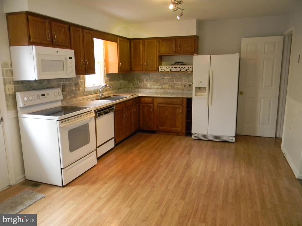 Kitchen - 508 WINDY KNOLL DR, MOUNT AIRY
