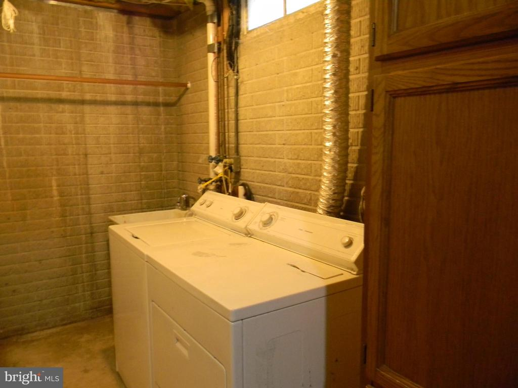 Laundry - 508 WINDY KNOLL DR, MOUNT AIRY