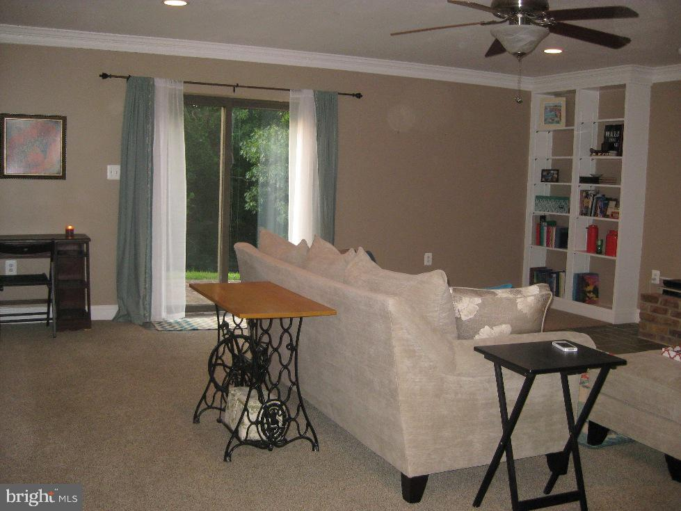 in Law Suite L:iving Room w/ Private Patio - 2714 JAY BIRD CT, KNOXVILLE