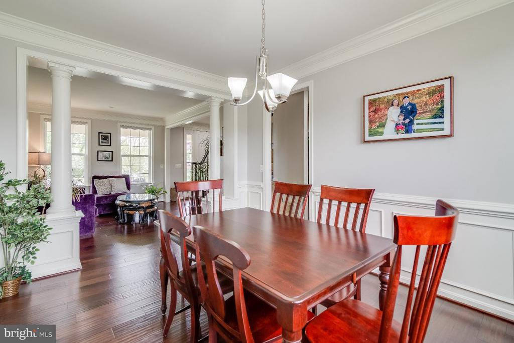 Formal Dining & Living Room with Crown Molding - 6008 FOX HAVEN CT, WOODBRIDGE