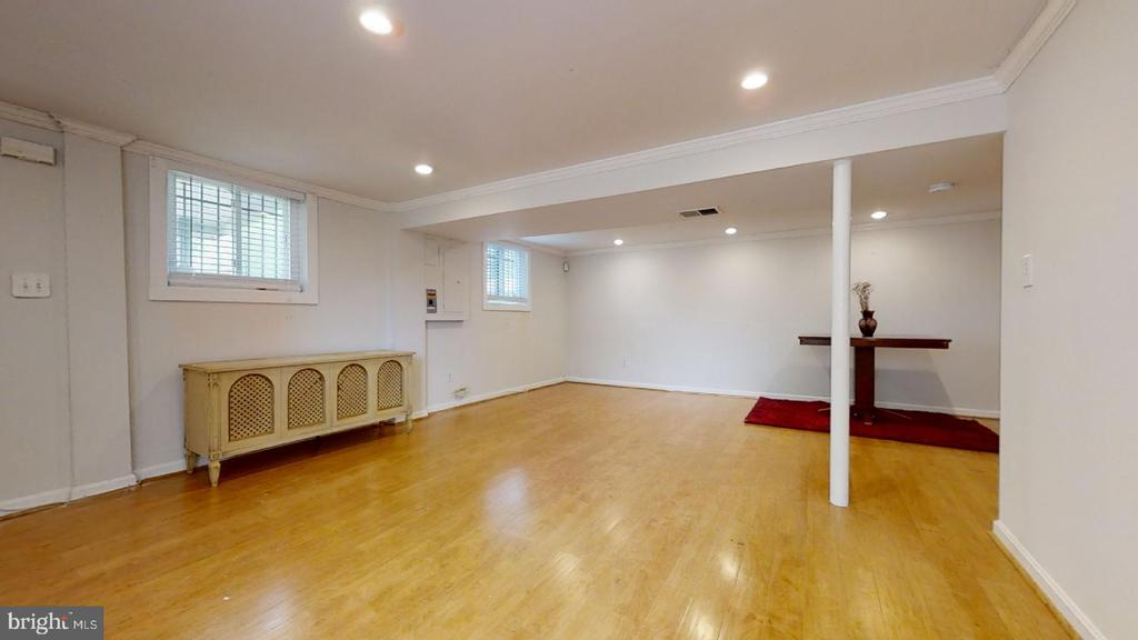 Living Area (lower level - view 3) - 7023 INDEPENDENCE ST, CAPITOL HEIGHTS