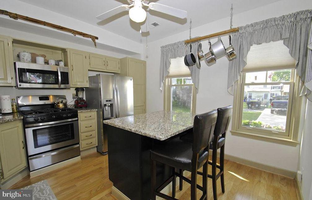 Tastefully renovated kitchen with NEW appliances! - 13 JEREMYS WAY, ANNAPOLIS