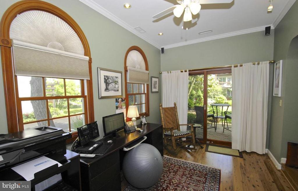 Main level office, optional 3rd bdrm. - 13 JEREMYS WAY, ANNAPOLIS