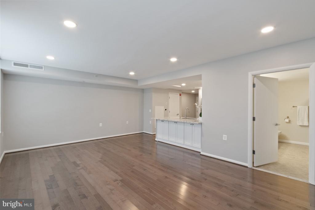 Living room/ Dining Room area. - 350 G ST SW #N224, WASHINGTON