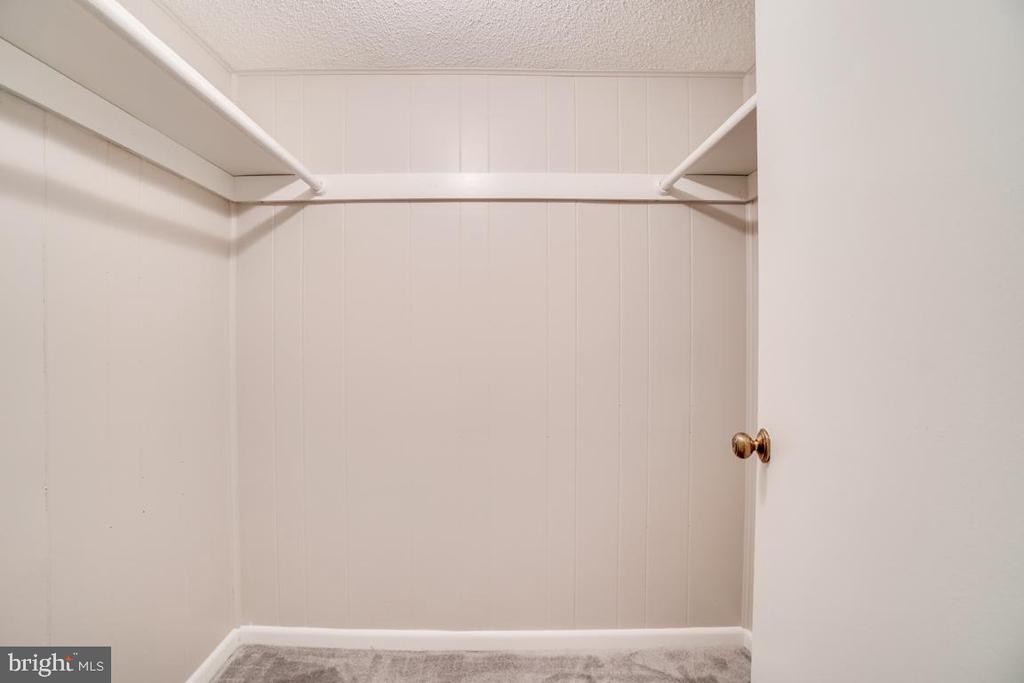 Walk In Closet - 3536 S STAFFORD ST #A2, ARLINGTON