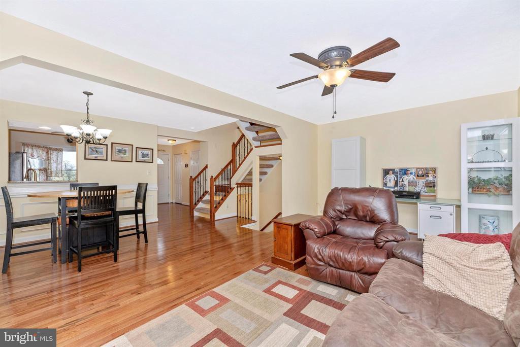 Dining Room/Living Room - 6204 ILLINOIS CT, NEW MARKET