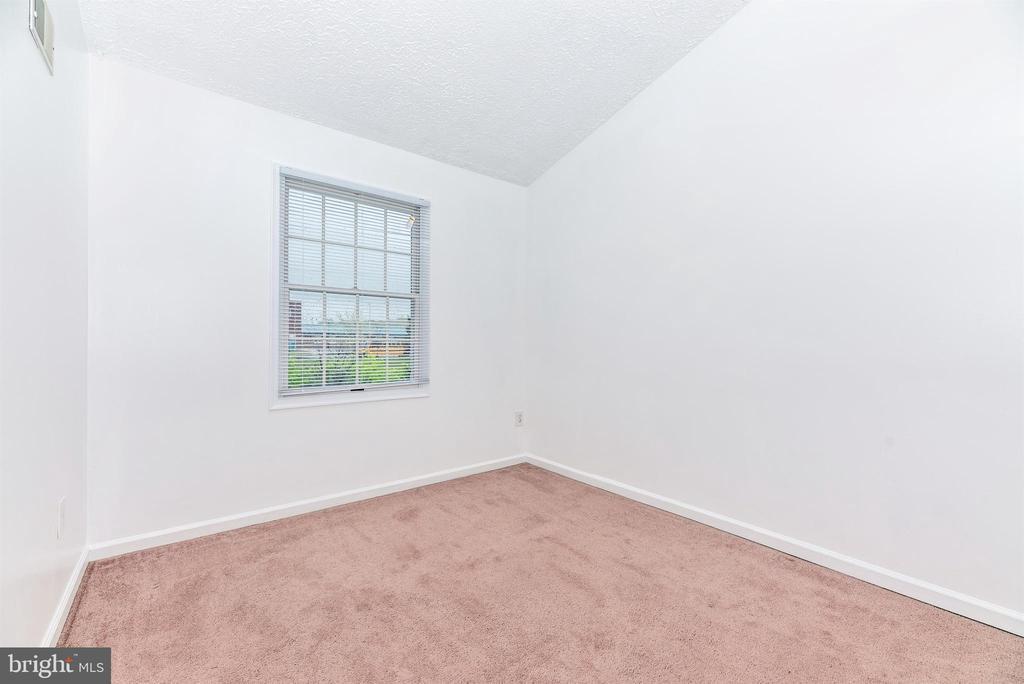 Bedroom 2 - 6171 S STEAMBOAT WAY, NEW MARKET