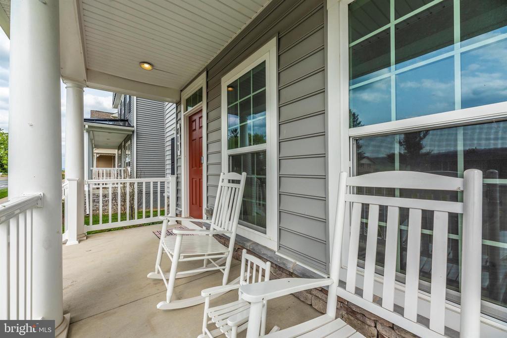 Relax on the Porch! - 811 JEFFERSON PIKE, BRUNSWICK