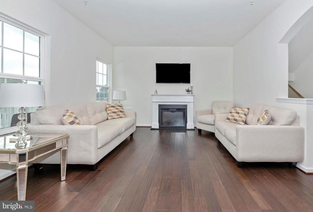 Wide Plank Hardwood Flooring - 811 JEFFERSON PIKE, BRUNSWICK