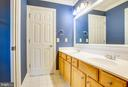 Jack and Jill Bath for Bedroom 3 and 4 - 11903 POWDER MILL CT, SPOTSYLVANIA