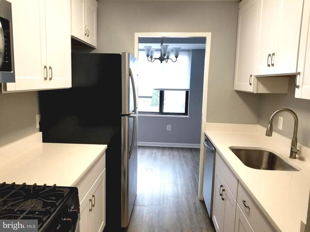 Kitchen - 5410 CONNECTICUT AVE NW #304, WASHINGTON