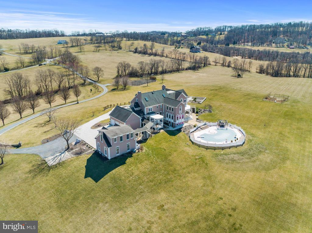 AWESOME views! - 15929 BRIDLEPATH LN, PAEONIAN SPRINGS