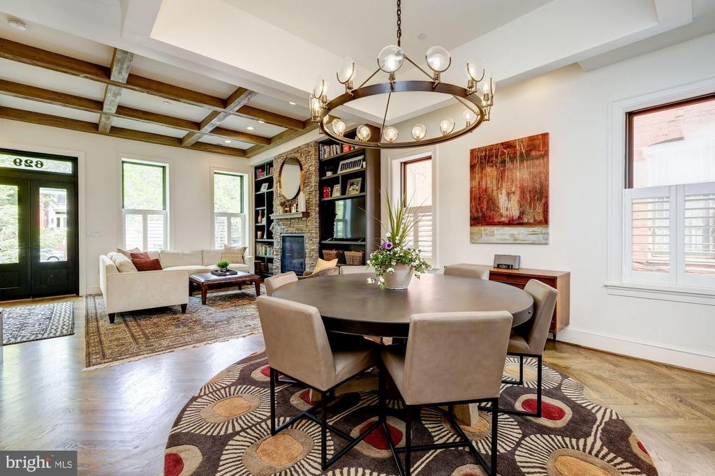 Owner's Unit - Living Area, Beamed Ceilings - 629 E CAPITOL ST SE, WASHINGTON