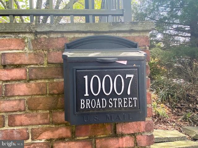 - 10007 BROAD ST, BETHESDA