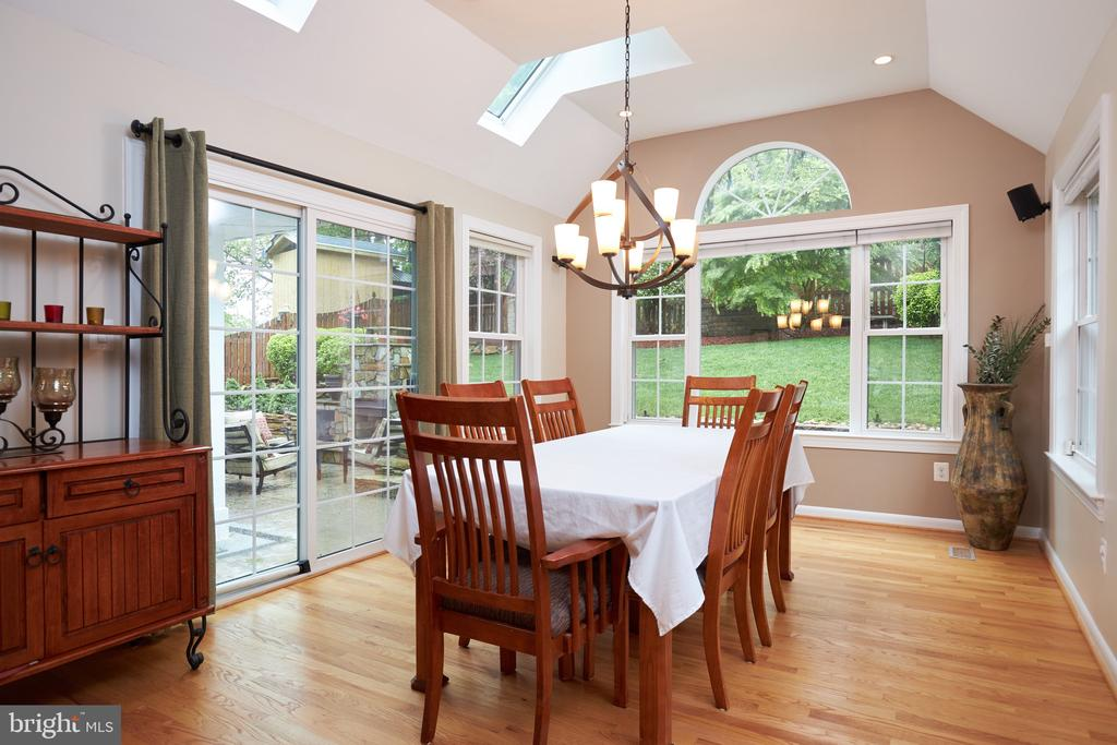 Large dining room - 2912 S GRANT ST, ARLINGTON