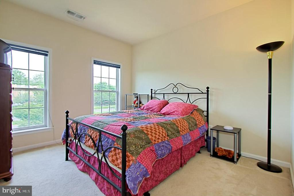 Bedroom #2 - 6719 ASPEN TRACE CT, ANNANDALE
