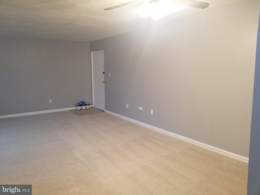 Living Room - 3825 HAMILTON ST #C-202, HYATTSVILLE