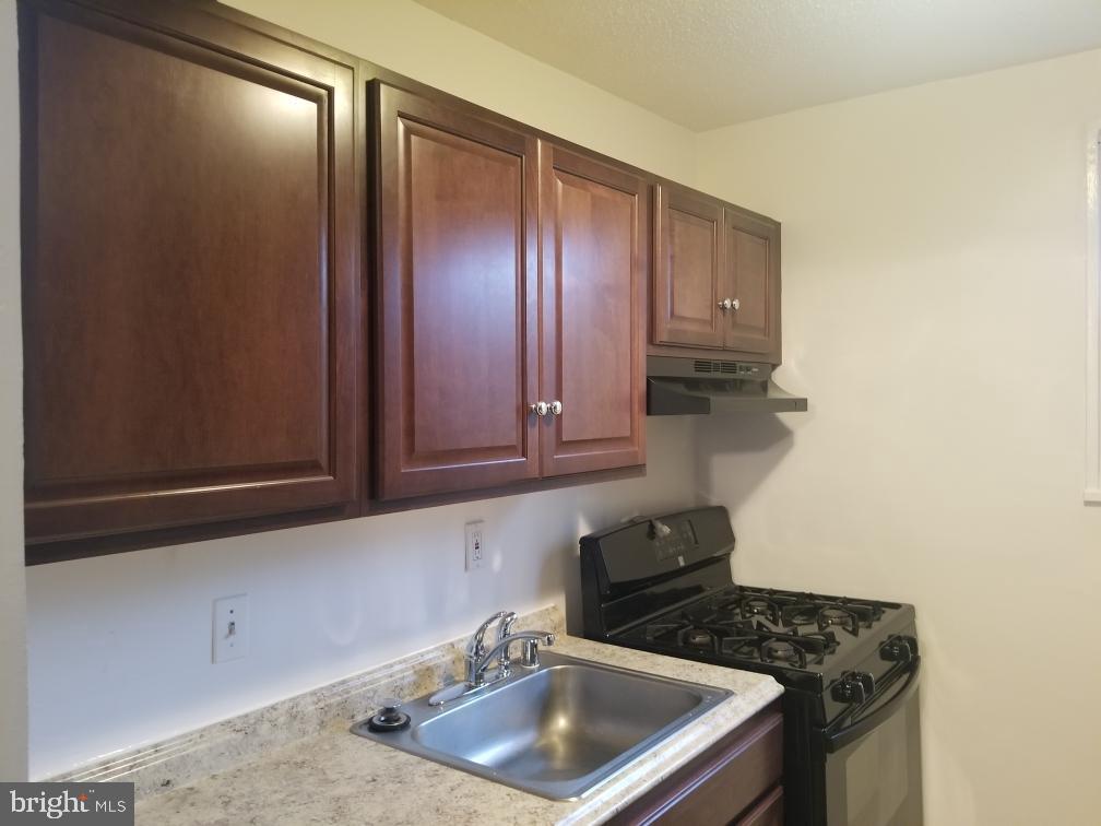 Kitchen - 3825 HAMILTON ST #C-202, HYATTSVILLE