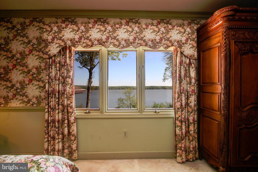 Upstairs Master Bedroom with Potomac River Views! - 3905 BELLE RIVE TER, ALEXANDRIA