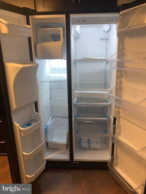 New Refrigerator with Ice Maker - 5443 EL CAMINO #5AB, COLUMBIA