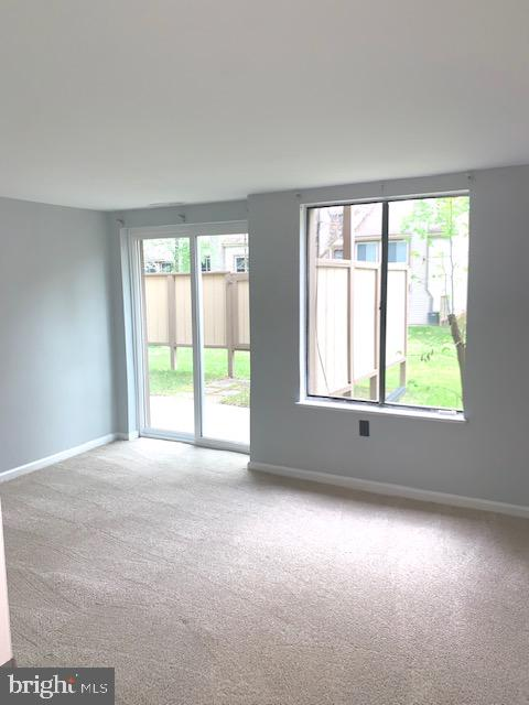 Large and Spacious Second Bedroom - 5443 EL CAMINO #5AB, COLUMBIA