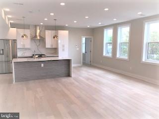 Kitchen island with breakfast bar - 1821 I STREET NE #13, WASHINGTON