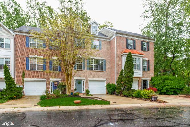 Beautifully manicured lawn and landscaping! - 619 SNOW GOOSE LN, ANNAPOLIS