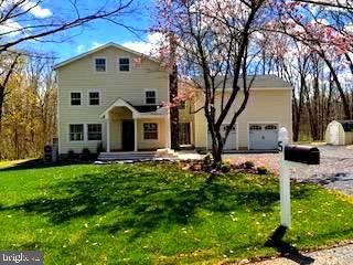Single Family Homes 为 销售 在 霍普维尔, 新泽西州 08525 美国