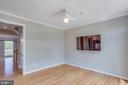 Breakfast room or family room with flat screen TV - 43771 APACHE WELLS TER, LEESBURG