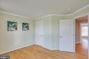 Bedroom # 3 with crown molding - 43771 APACHE WELLS TER, LEESBURG