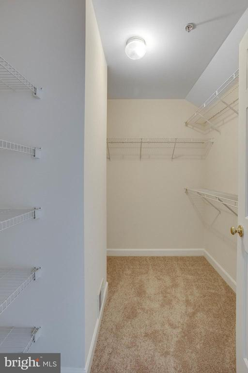 You can store your excess winter/summer clothes ! - 43771 APACHE WELLS TER, LEESBURG