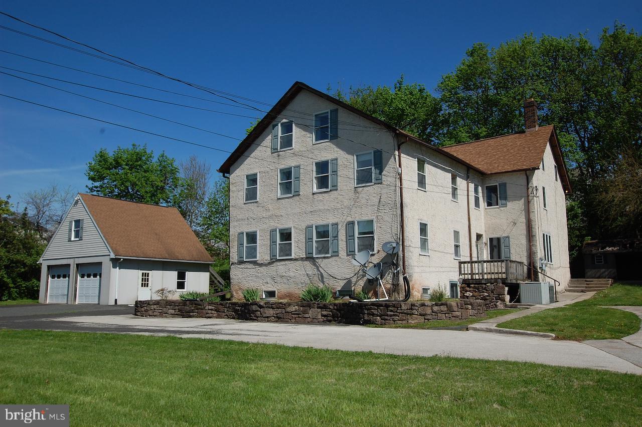 Duplex Homes pour l Vente à Spring City, Pennsylvanie 19475 États-Unis