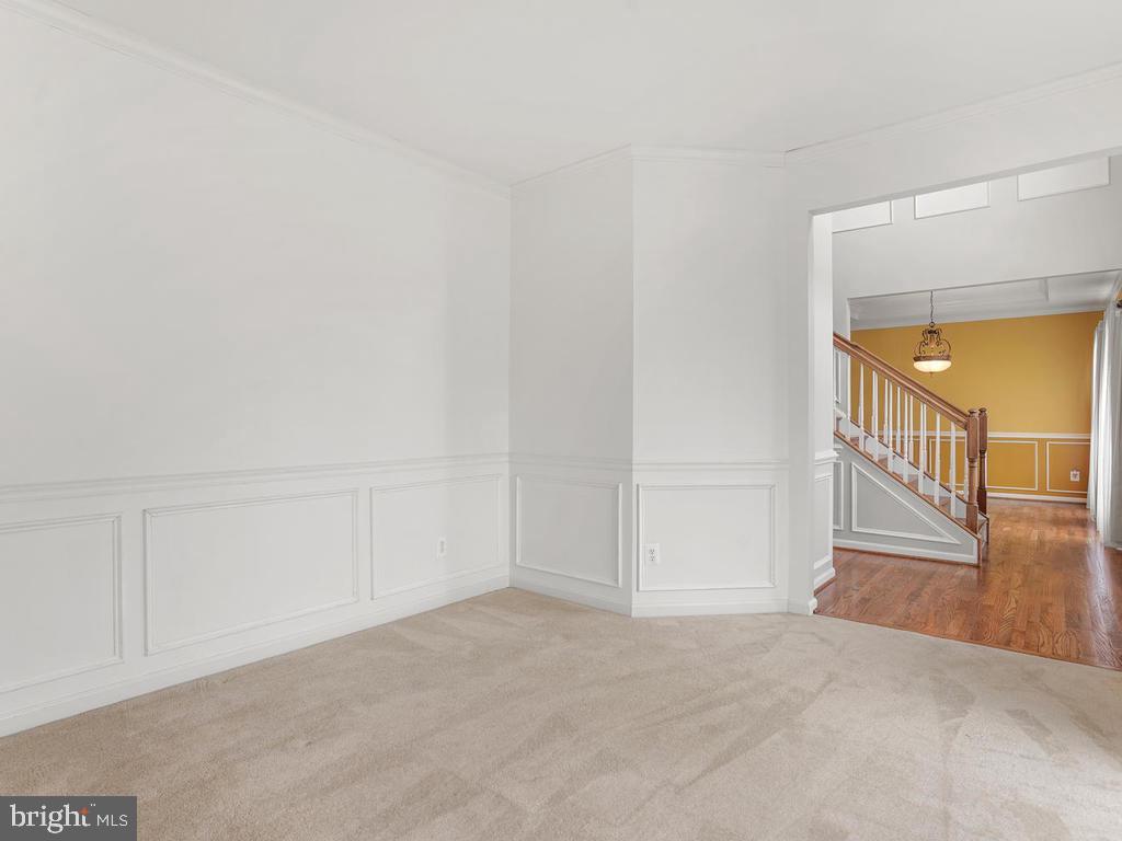 Formal Living Room/Sitting Area - 2151 BALLAST LN, WOODBRIDGE
