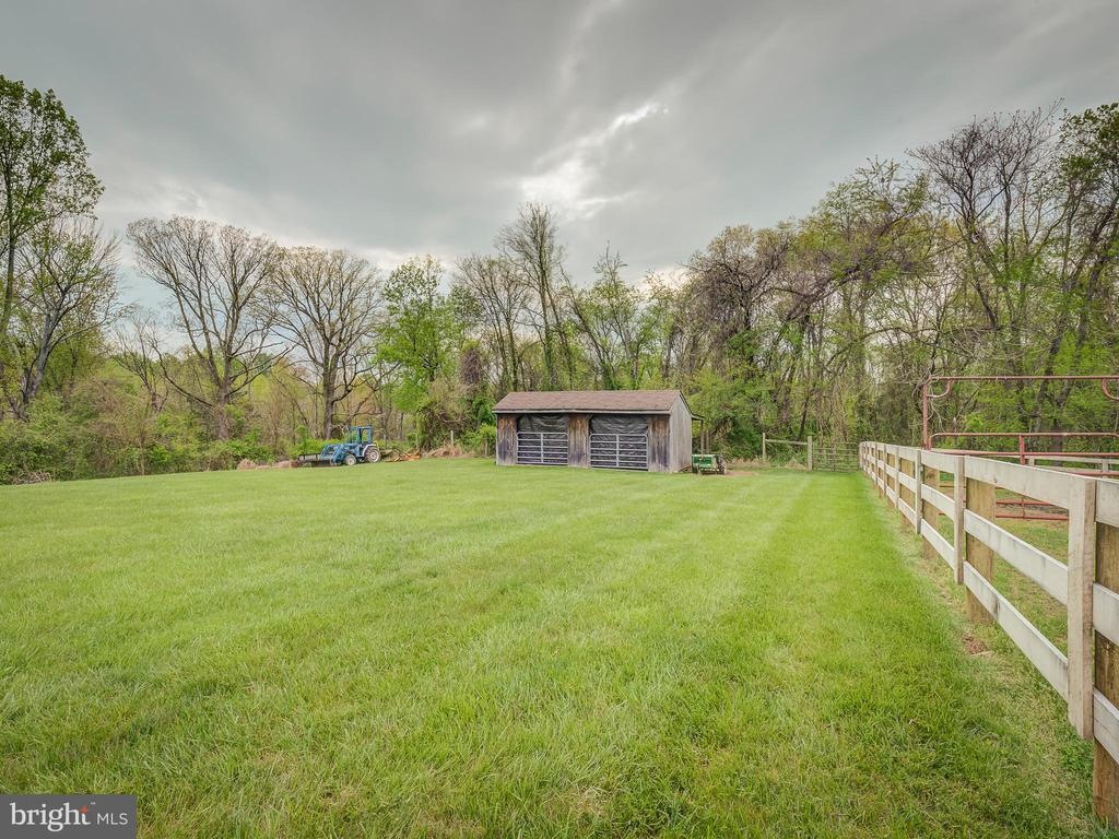 Back Equipment Shed/Barn With Entrance To Rock Crk - 5917 WILD FLOWER CT, ROCKVILLE