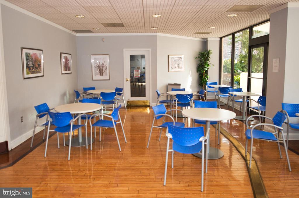 Blue Room -- additional seating outside Cafe - 203 YOAKUM PKWY #317, ALEXANDRIA