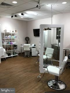 Hair Care Stations in Salon - 203 YOAKUM PKWY #317, ALEXANDRIA