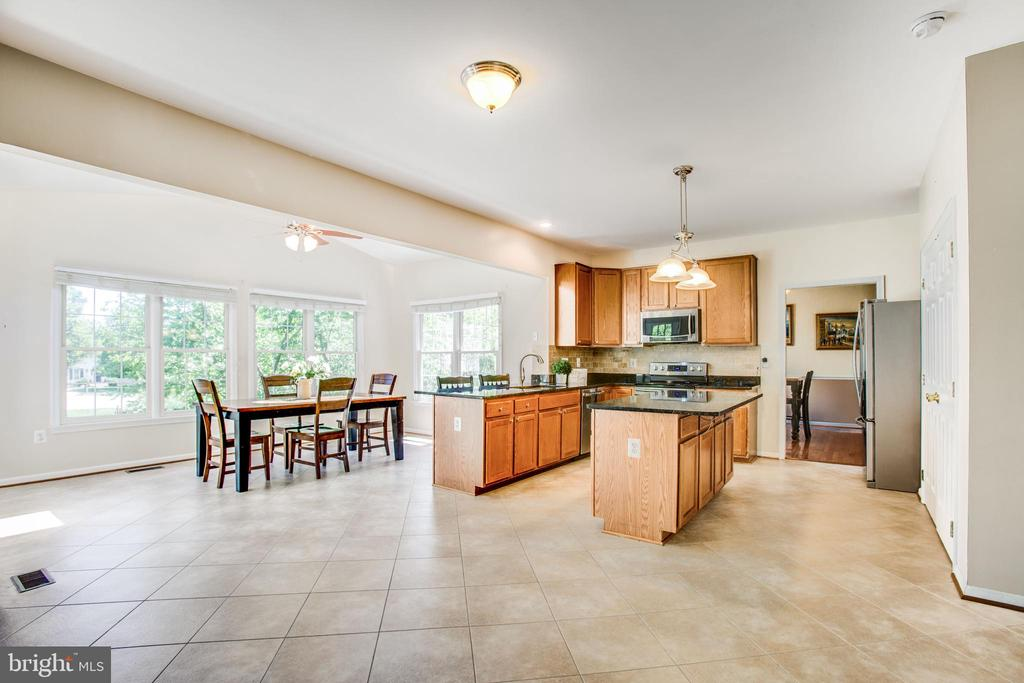 This floor plan offers a spacious kitchen - 6 CROMWELL CT, STAFFORD