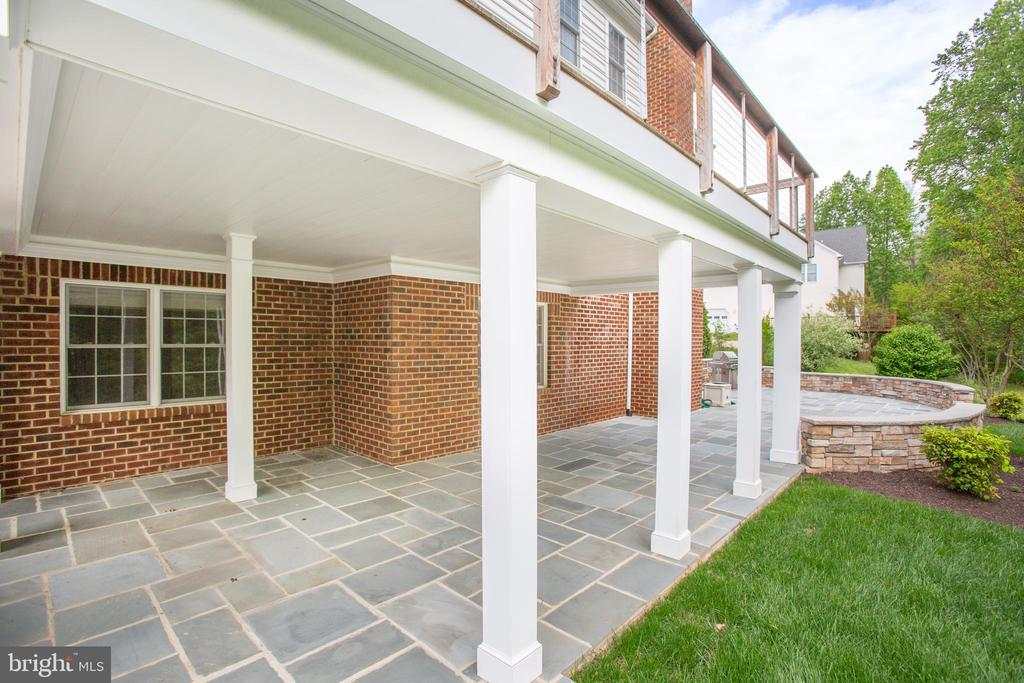 Covered Patio with outdoor Lighting - 11903 POWDER MILL CT, SPOTSYLVANIA