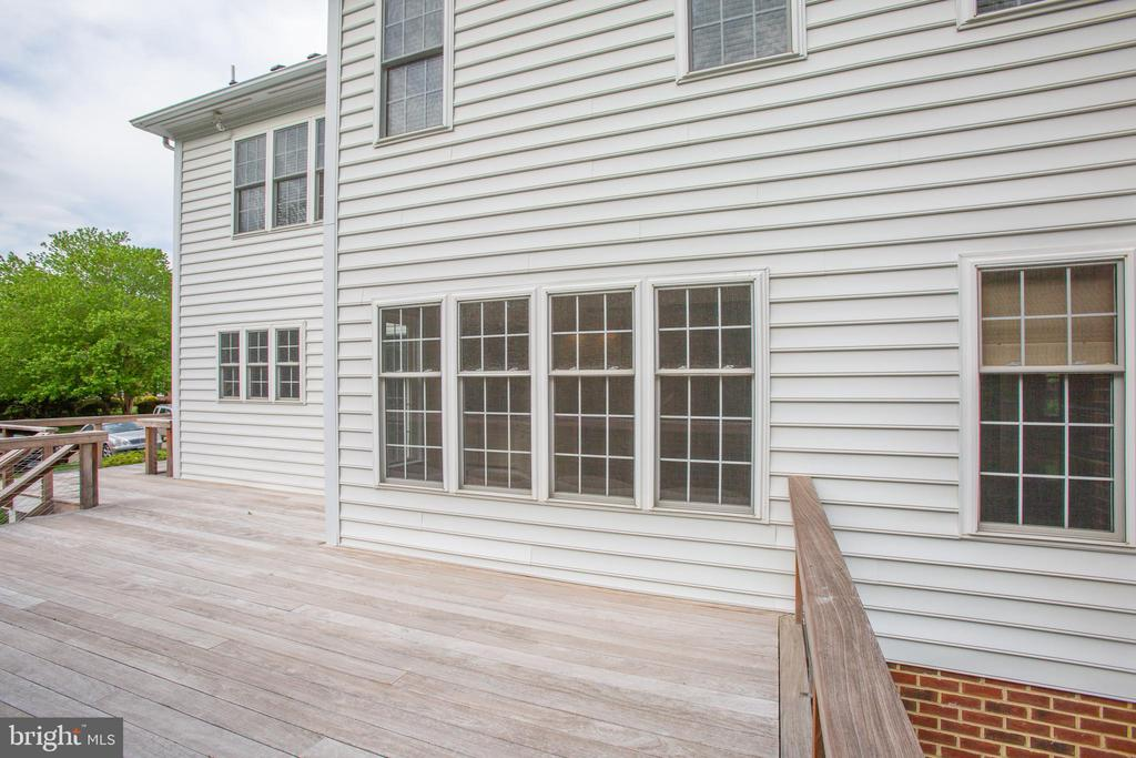 IPE Deck with Stainless Steel Rails - 11903 POWDER MILL CT, SPOTSYLVANIA