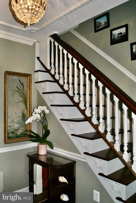 Classic staircase with lovely trim work  and - 434 STATE ST, ANNAPOLIS