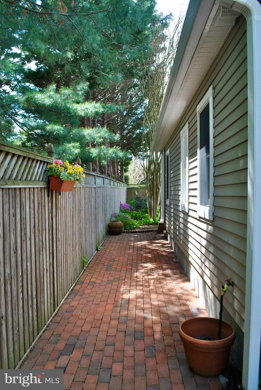 This is the space accessed from laundry room door - 434 STATE ST, ANNAPOLIS