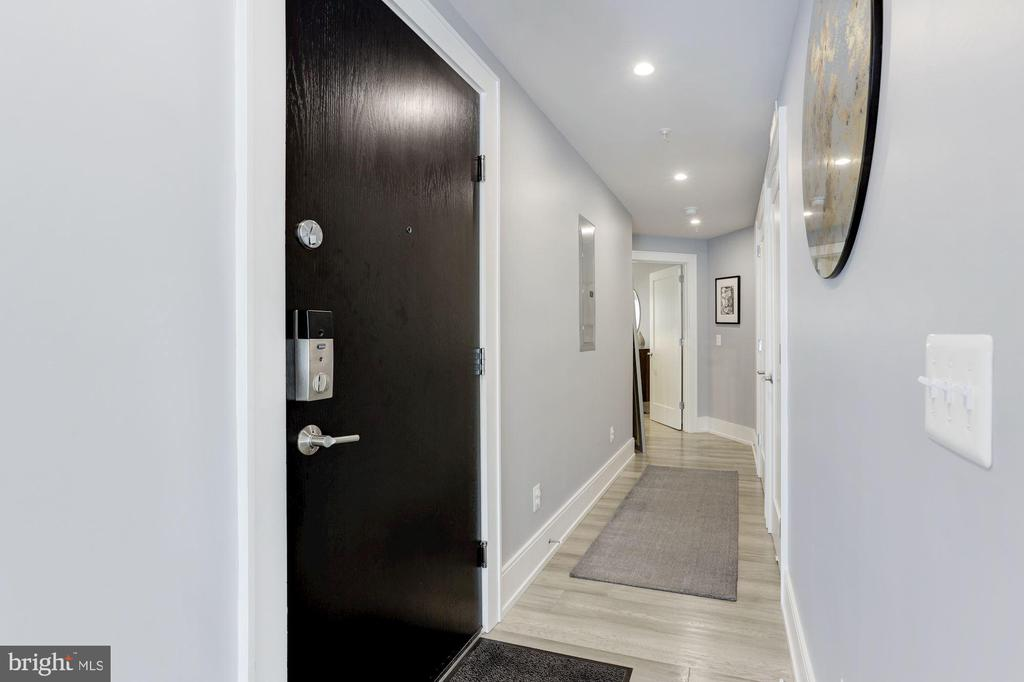 Hallway leading to separate Master Suite - 2434 16TH ST NW #301, WASHINGTON