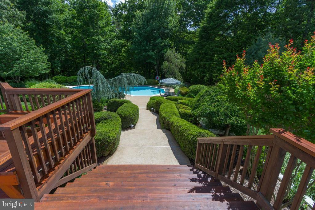 Rear Deck with Steps to Pool - 12970 WYCKLAND DR, CLIFTON