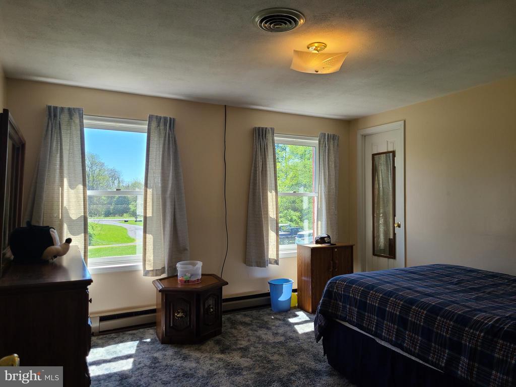2nd bedroom - 544 PYLETOWN RD, BOYCE